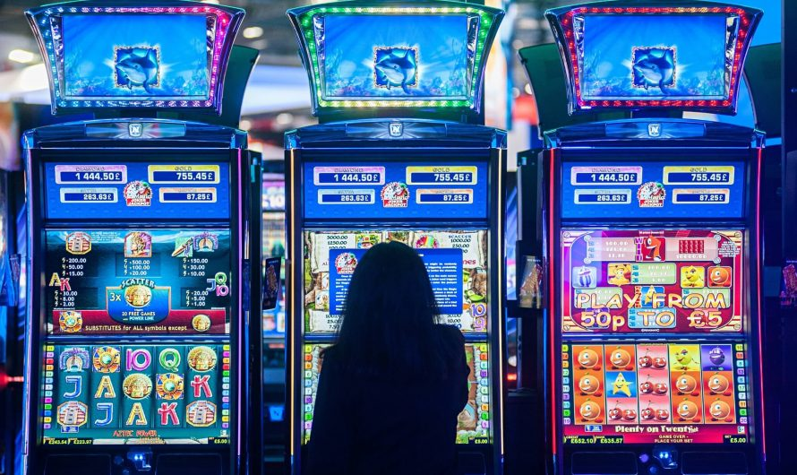 Play Slots and Grab Enticing Prizes